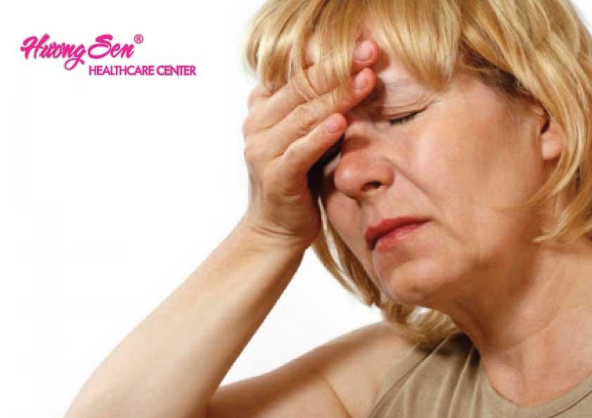 Buồn nôn và nôn – Một dấu hiệu bệnh rối loạn tiền đình