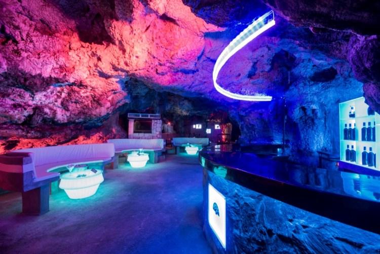 Imagine cave
