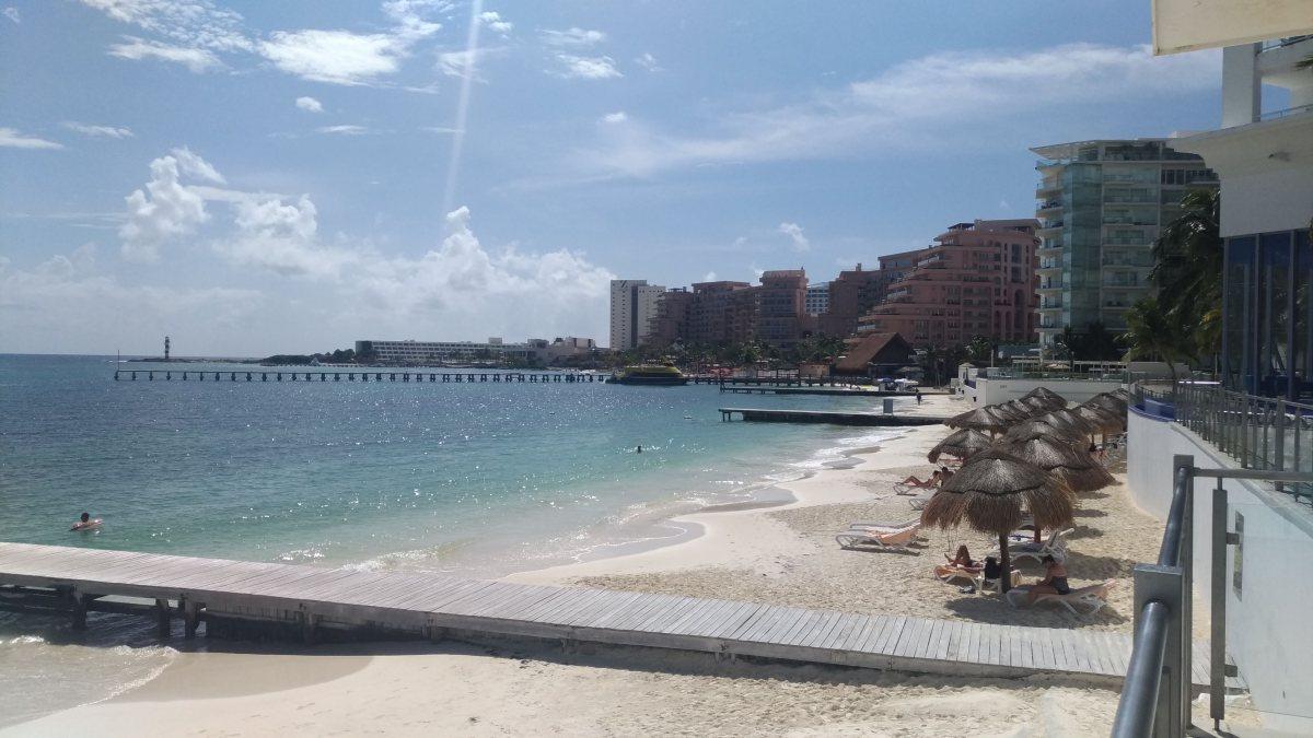 Monitoramento de sargaço em Cancún e Riviera Maya