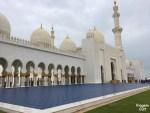 A incrível mesquita de Abu Dhabi