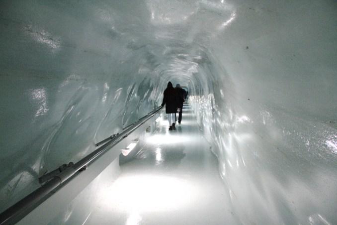 'Palácio de Gelo', uma das atrações de Jungfraujoch, a estação de trem mais alta da Europa