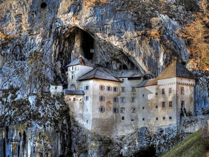 Castelo de Predjama (foto: Divulgação)
