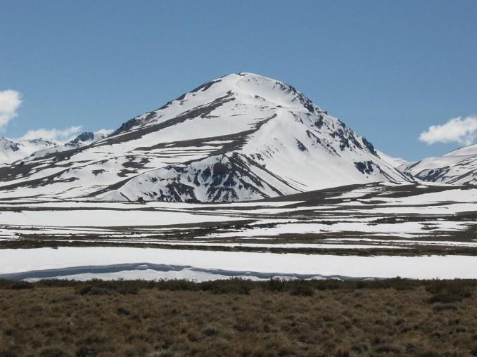 Vulcão Domuyo (foto:http://www.turismo.gov.ar/)
