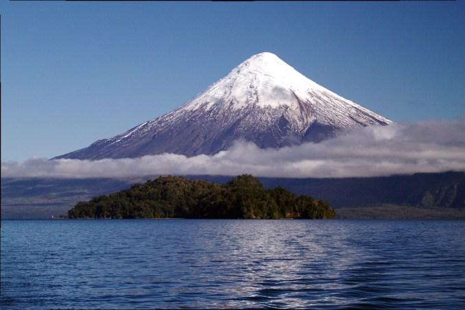 Vulcão Osorno, visto durante travessia dos lagos, entre Chile e Argentina (foto: Eduardo Vessoni)