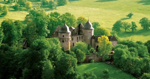 Vista aérea do Dornröschenschloss Sababurg, hotel da Bela Adormecida (foto: Divulgação)