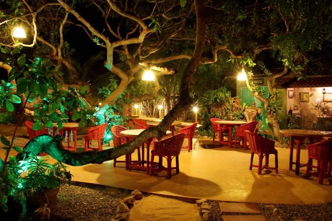 Jardim da Pousada Casa de Taipa, em São Miguel do Gostoso (foto: Eduardo Vessoni)