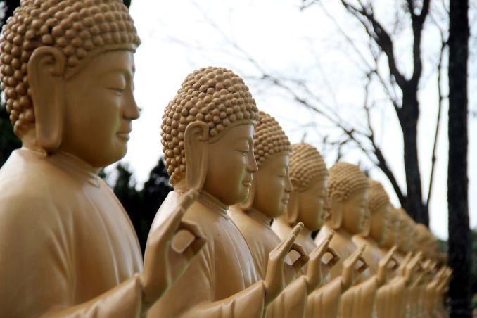 Detalhe das estátuas do Templo Budista de Foz, no Paraná (foto: Eduardo Vessoni)