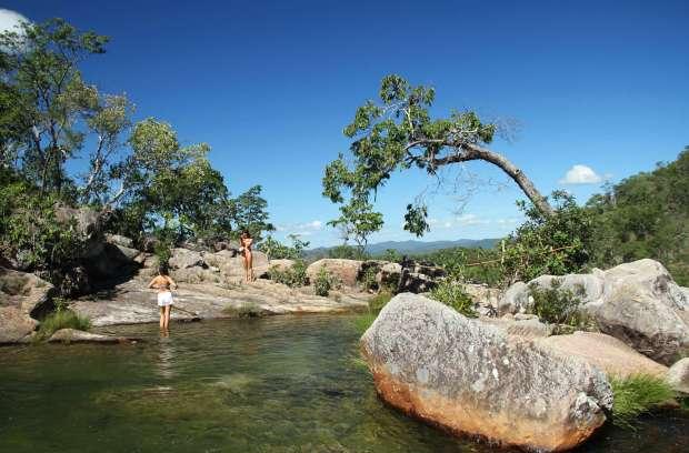 Vista da trilha de acesso à Cachoeira Capivara, em Cavalcante, na Chapada dos Veadeiros (foto: Eduardo Vessoni)