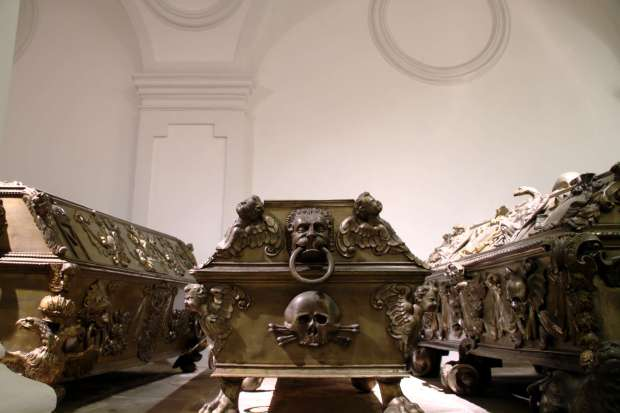 Caixão da imperatriz Eleonora de Mantua, na Cripta Imperial de Viena (foto: Eduardo Vessoni)