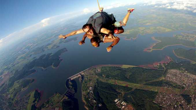 foto: SkydiveFoz/Divulgação