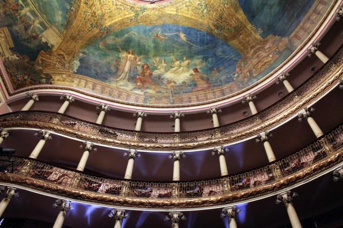 Como todo bom teatro clássico, o Teatro Amazonas, em Manaus, também é marcado por histórias de fantasmas, como a do pianista que morreu ali e, vez ou outra, volta para tocar alguma partitura(foto: Repórter do Futuro/Flickr-Creative Commons)