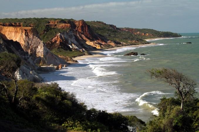Vista das praias de Tambaba e Tabatinga, no litoral sul da Paraíba (foto: Eduardo Vessoni)