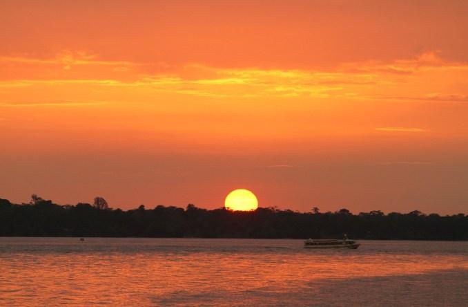 Orla ao Entardecer, no Rio Guamá, em Belém (foto: Eduardo Vessoni)