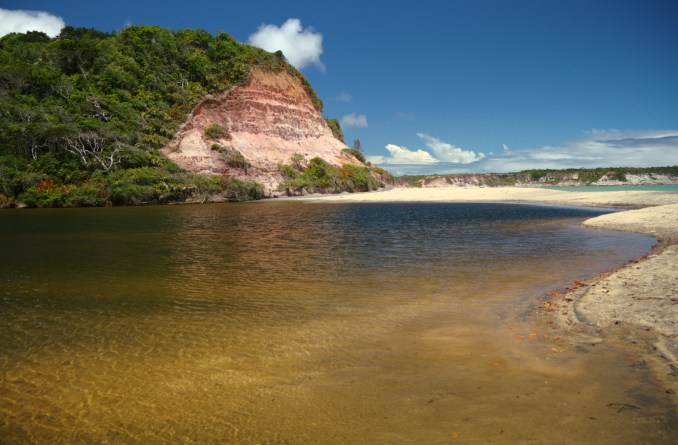 Lagoa do Satu, no trekking que vai da Praia do Espelho a Caraíva, no sul da Bahia (foto: Eduardo Vessoni)