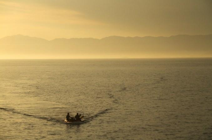 Final de tarde, durante liveaboard, na Ilha Grande (foto: Eduardo Vessoni)