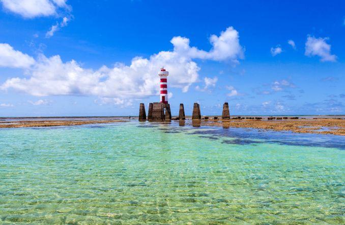 Farol da Praia de Ponta Verde, na Orla Principal de Maceió (foto: Wesley Menegari/Semptur)