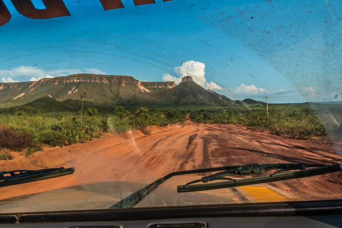 Vista da Serra do Espírito Santo, uma das atrações naturais do Jalapão, cuja erosão deu origem às dunas locais (foto: Eder Fortunato/Flickr-Creative Commons)