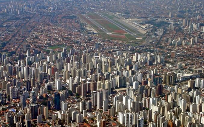 Vista aérea do Aeroporto de Congonhas, em São Paulo (foto: Wikipedia Commons)