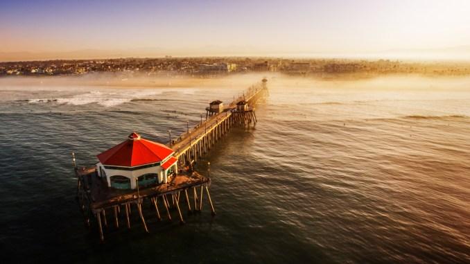 Huntington Beach, cidade litorânea, a 64 km de Los Angeles (foto: Visit Huntington Beach/Divulgação)