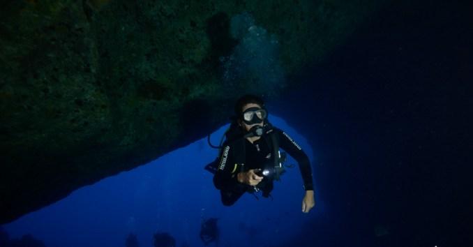 Mergulho na Caverna da Sapata (foto: All Angle/Lola Fritzsche)