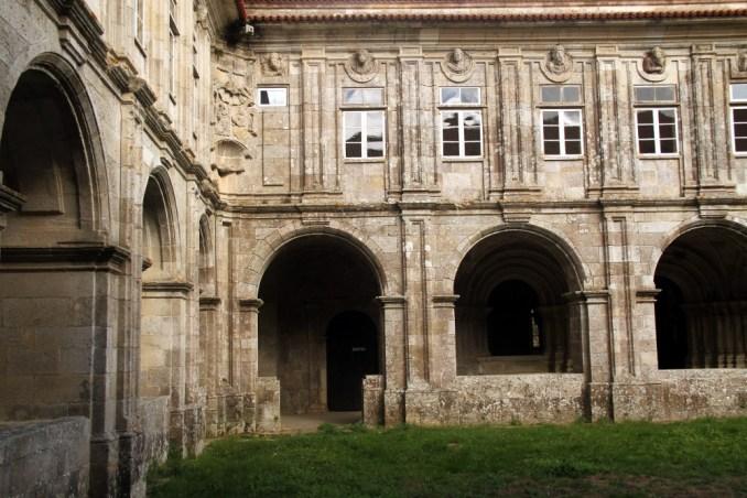 Área dos claustros do Sobrado dos Monxes, , na Galícia, Espanha (foto: Eduardo Vessoni)