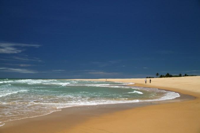 Itaquena, uma das praias isoladas, entre Trancoso e a Praia do Espelho (foto: Eduardo Vessoni)