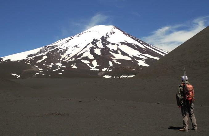 Vista do vulcão Lonquimay, no sul do Chile (foto: Eduardo Vessoni)