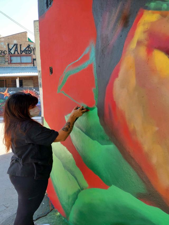 Beco do Batman ganha grafite em um dos últimos espaços livres