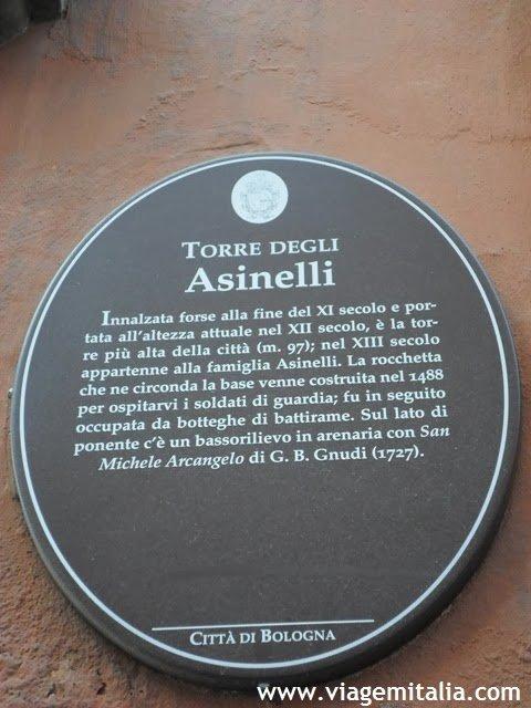 Duas torres em Bolonha, Itália: Torre degli Asinelli e Garisenda