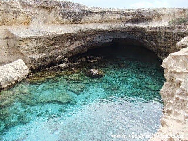 Gruta da Poesia, Itália: uma das 14 piscinas naturais + bonitas do mundo