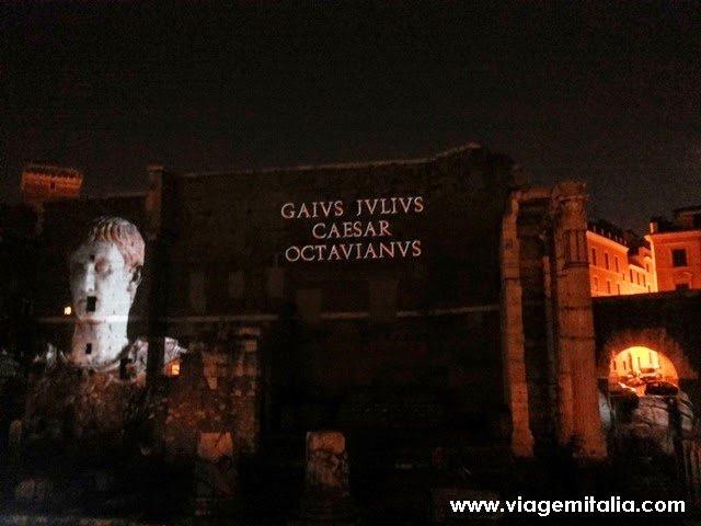 Viagem na Roma Antiga à noite: Foro de César e Foro de Augusto
