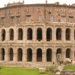 História do teatro na Roma Antiga - Teatro Marcelo em Roma.