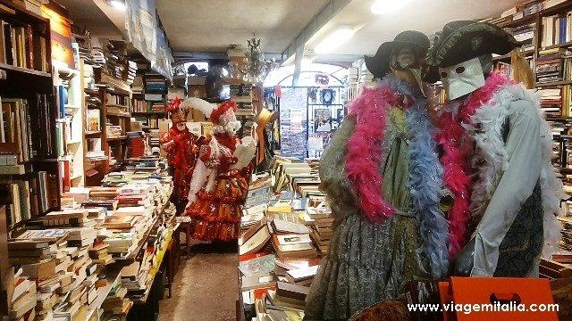 Livraria Acqua Alta de Veneza