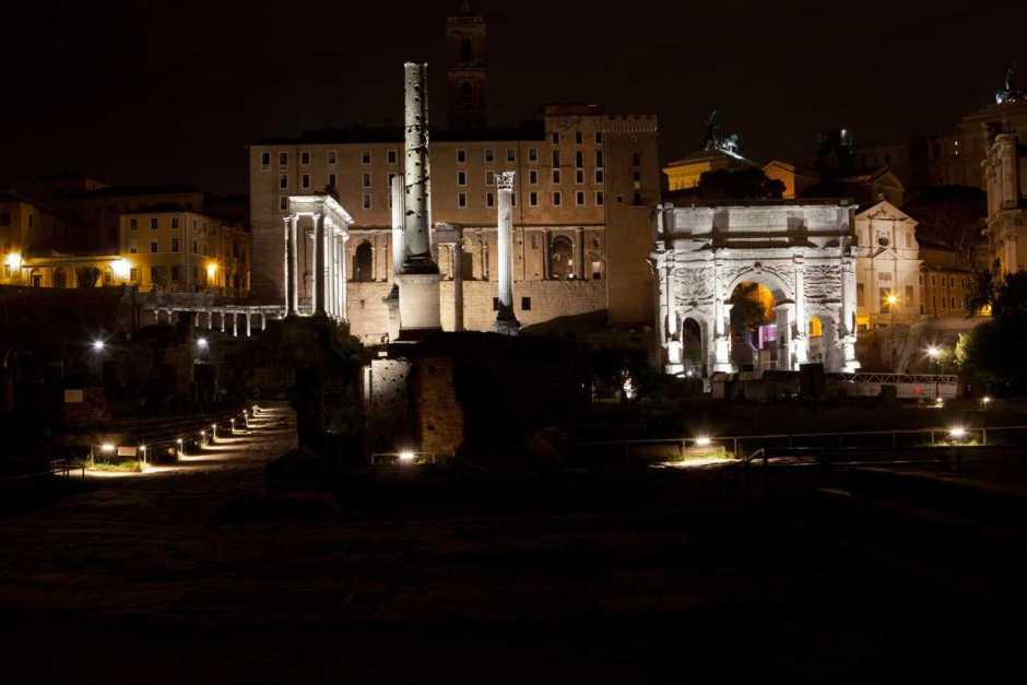 Fórum Romano, centro histórico de Roma.