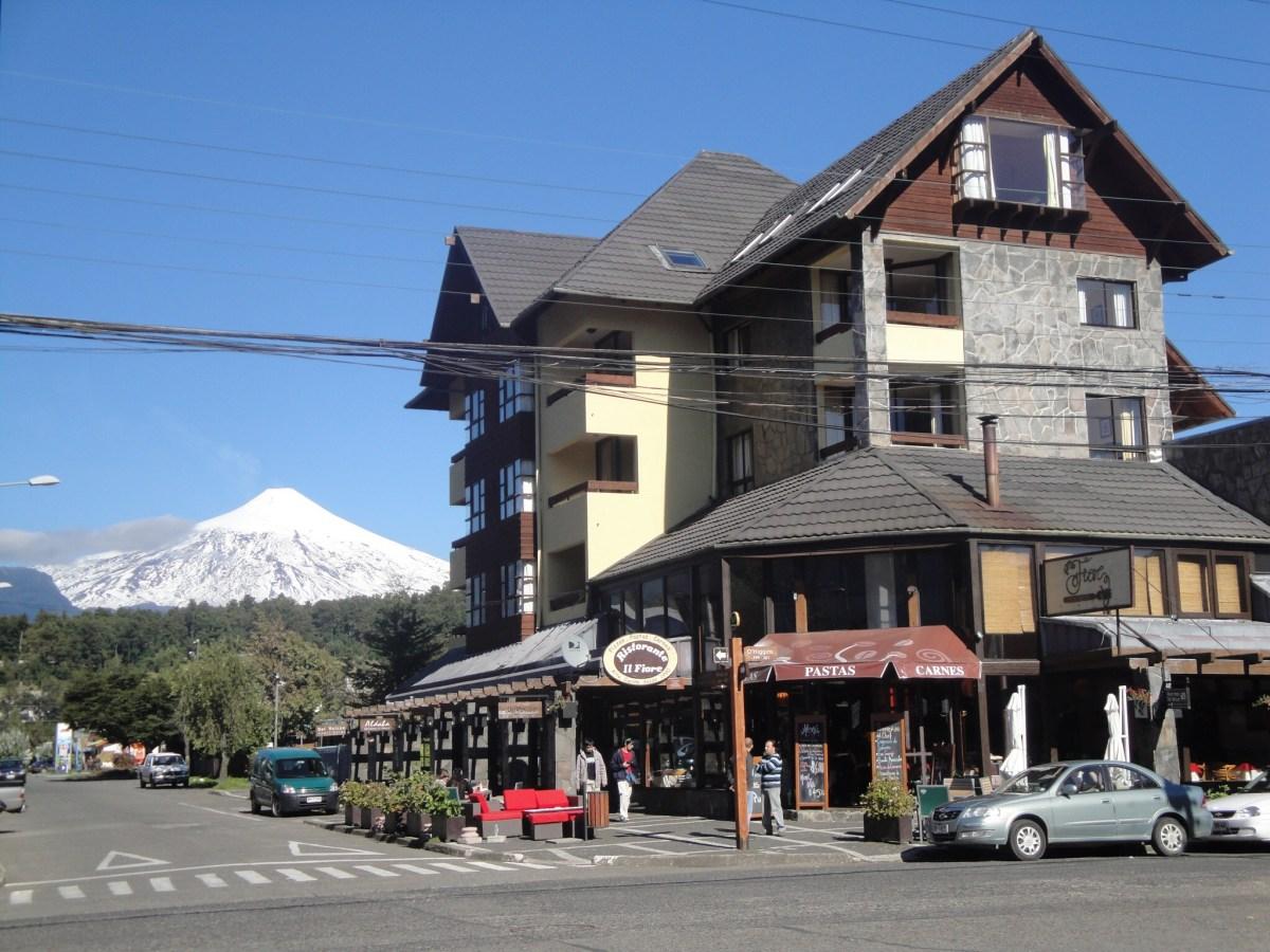 Pucón, a cidade que fica aos pés do Vulcão Villarica