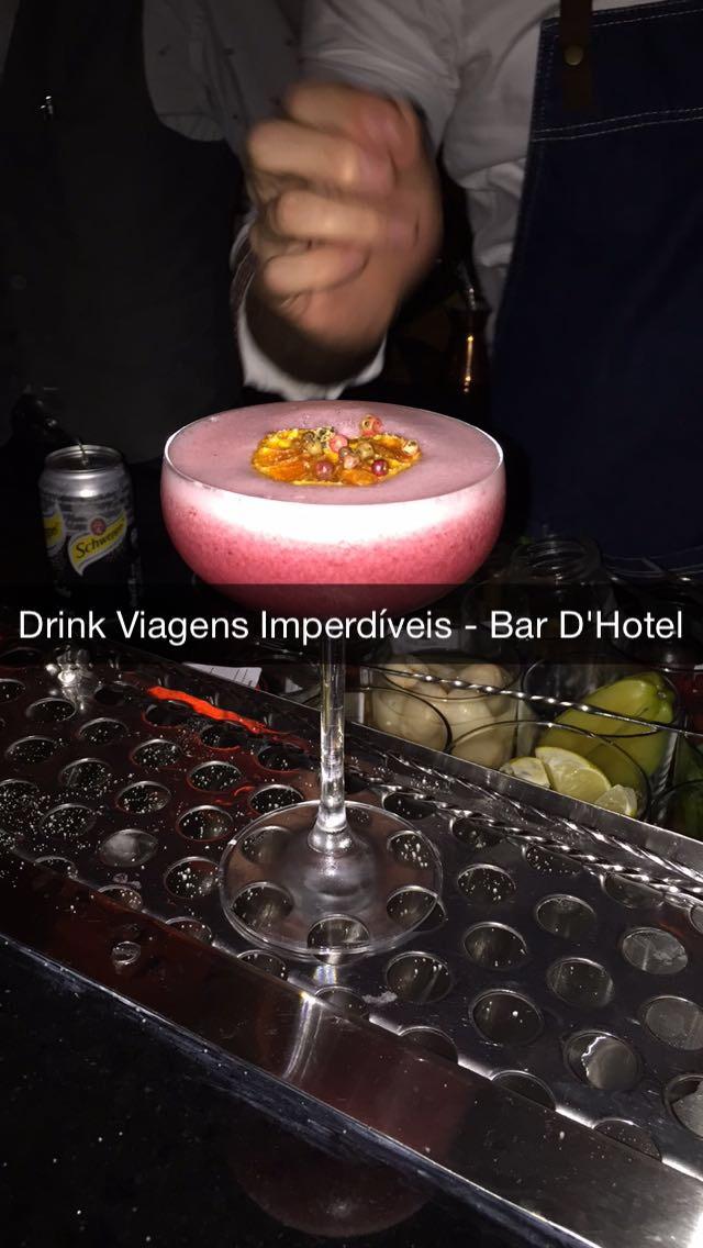Só que não! Infelizmente não existe lá um drink com o nome do nosso blog... rsrs, mas esse foi exclusivamente feito para mim!! :-)