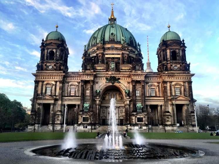 A lindíssima e imponente Catedral de Berlim