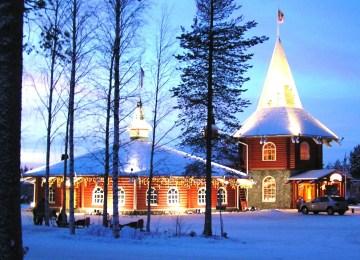 Villaggio Babbo Natale Rovaniemi.A Casa Di Babbo Elegante Finlandia Rovaniemi Babbo Natale La Sua