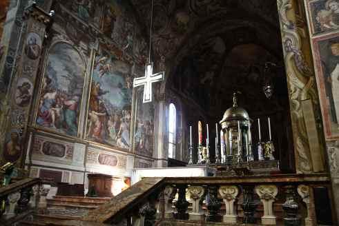 Altare maggiore e paliotto