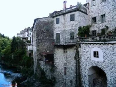 Case sul torrente, Bagnone.