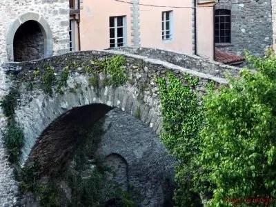 Ponte nel borgo di Bagnone.