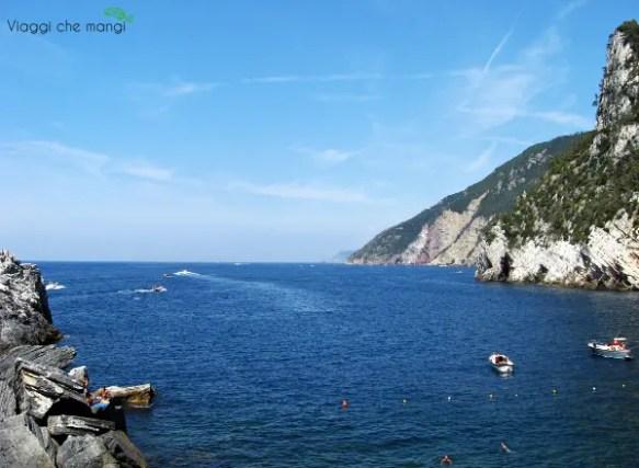 grotta di byron a portovenere, uno dei sette borghi liguri da visitare.