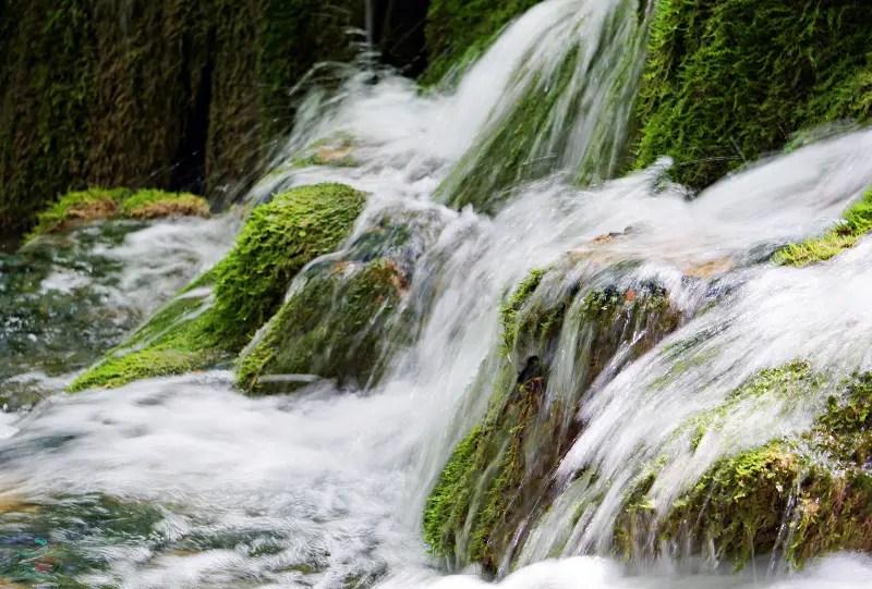particolare di una delle bellissime cascate dei Laghi di Plitvice.