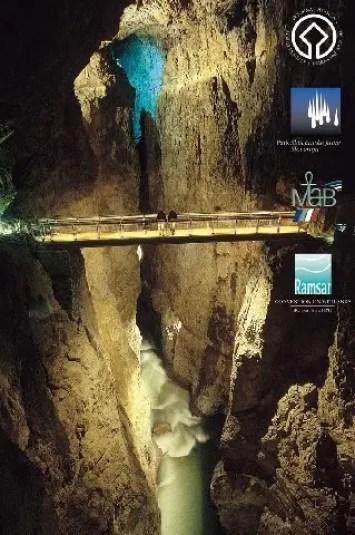 canyon sotterraneo delle grotte di san canziano, una delle grotte magiche della Slovenia
