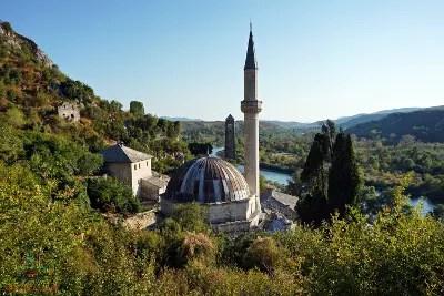 Il minareto di pocitelj nei dintorni di mostar.
