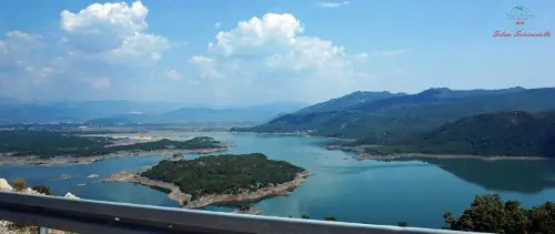 Bilećko jezero una delle cose che vedrai se deciderai di viaggiare in bosnia in auto