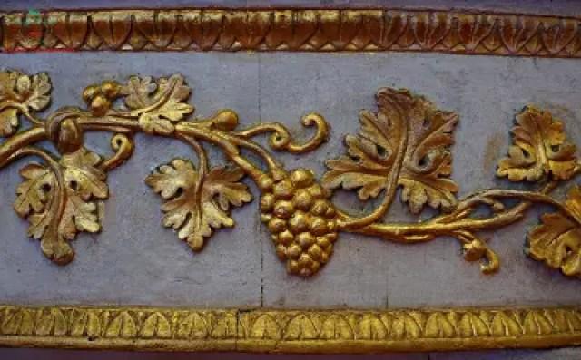 Dettaglio di un tavolino della Collezione Banca Carige, Genova dipinti autunnali