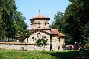 cosa fare sul lago di ohrid: visitare il monastero di sveti naum e la sua cappella esterna