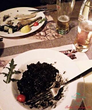 Cosa mangiare a kotor: risotto al nero di seppia.