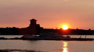 Sunset from water taxi, Groton, CT.